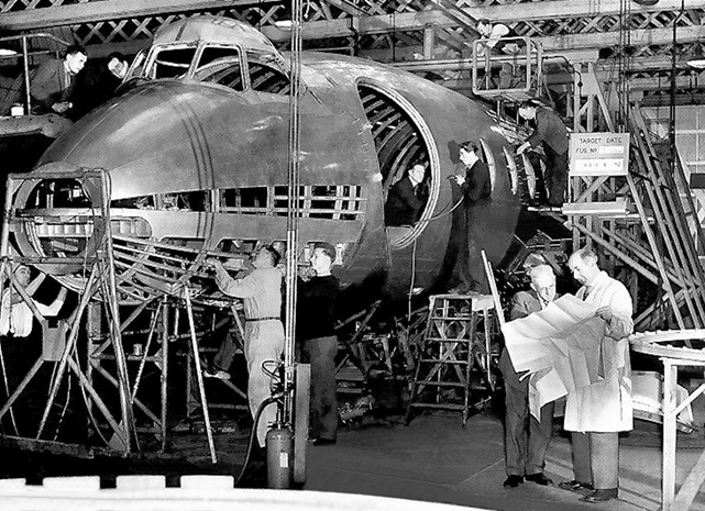 Viscount c/n 13 G-AMOC under construction in 1952